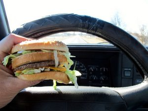 eating-in-car