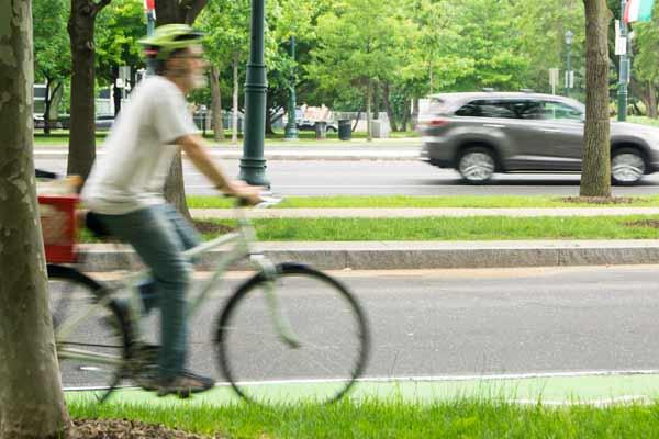 dangerous bike lanes near wawa on 22nd street philadelphia